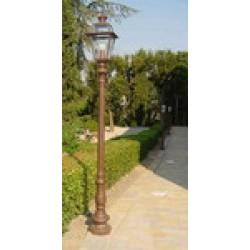 Lampioni Illuminazione e Pali in Ghisa e Acciaio