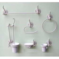 Accessori Bagno In Ferro Battuto E Ceramica.Accessori Bagno