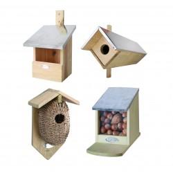 Nidi, casette, rifugi e mangiatoie per uccellini e per insetti.