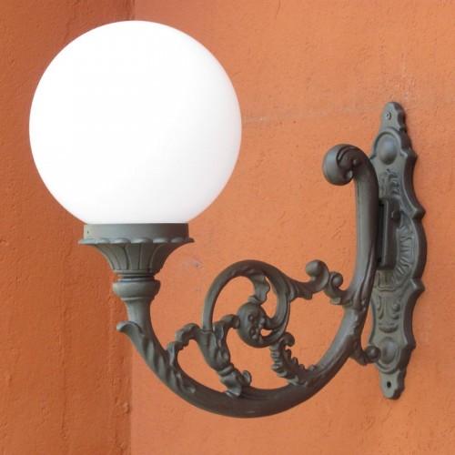 Applique italia illuminazione arredo urbano con sfera for Illuminazione arredo urbano