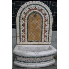 Fontana a parete mosaico geometrica