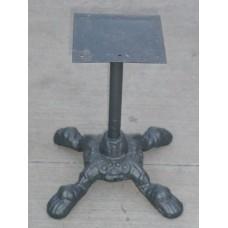 Base tavolo, sgabello, piedistallo in ghisa. DSC06872.