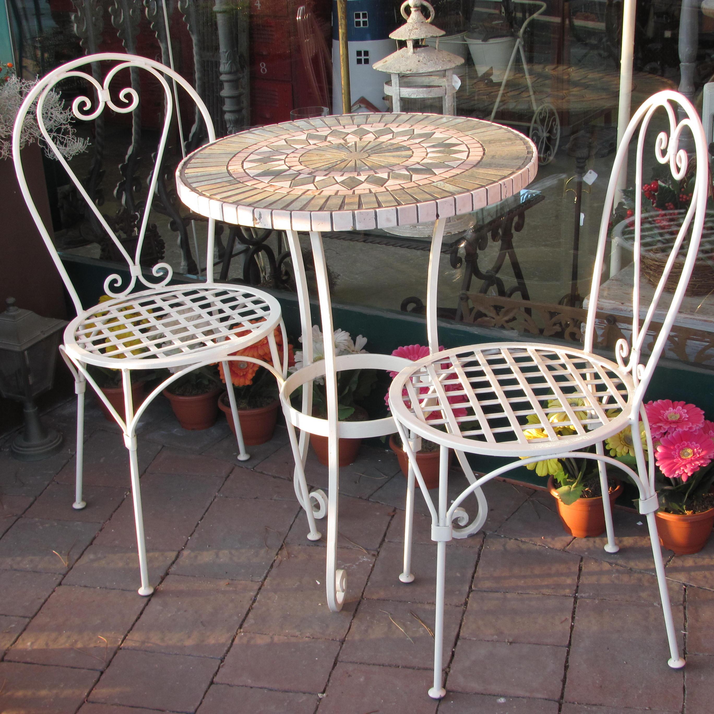 Completo Tavolo Da Giardino Terrazzo Portico In Ferro E Piano In Tessere Di Mosaico Andromeda