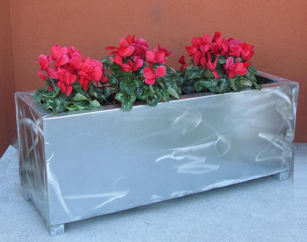 Vaso Esterno Grigio : Fioriera o vaso esterno per giardino terrazzo veranda. mdst