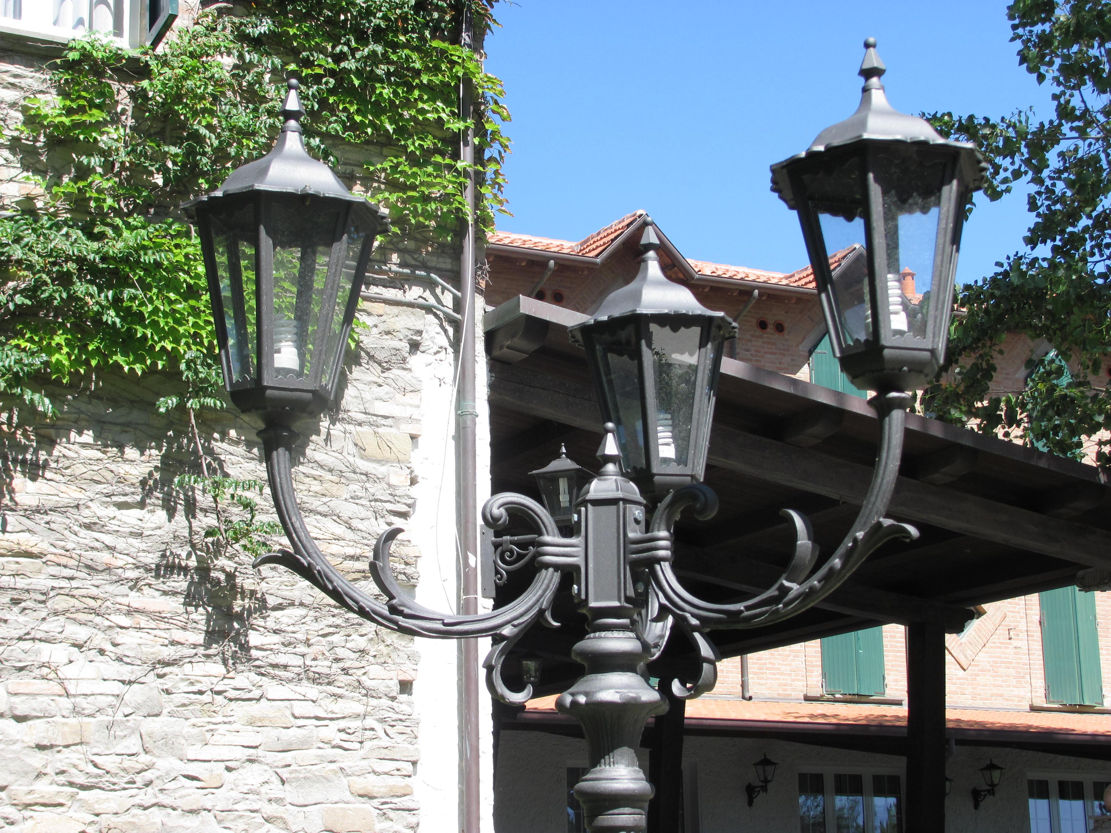 Plafoniera da palo giardino: lampada da esterno e giardino conforama