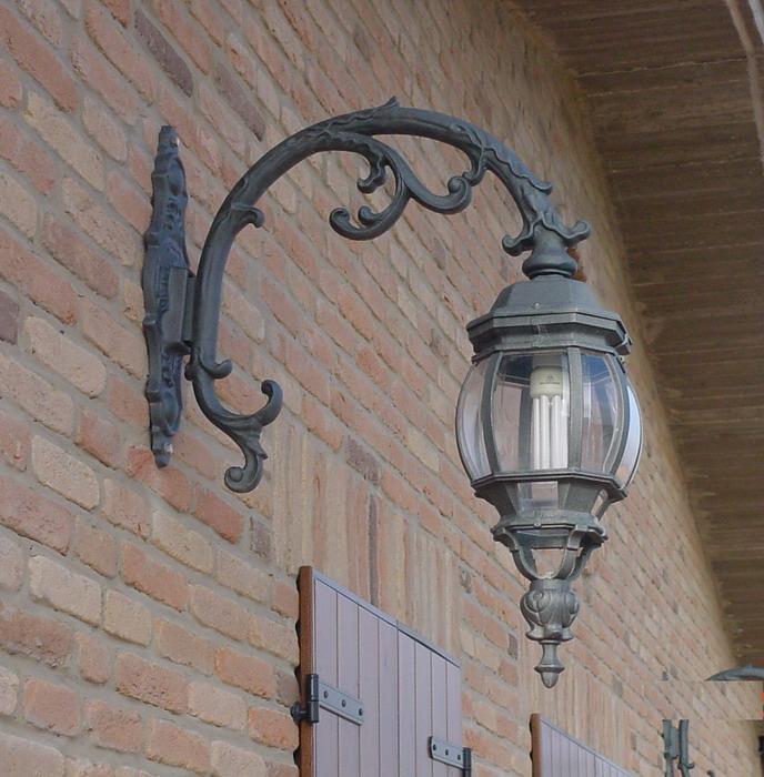 Fano: illuminazione esterna   fonderia innocentifonderia innocenti