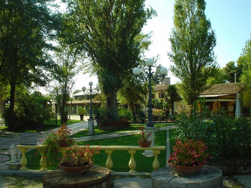 Arredo giardino Rimini, illuminazione artistica