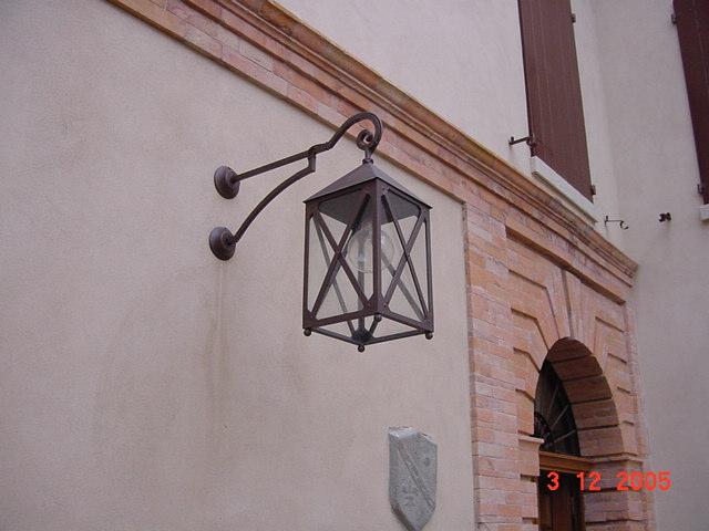 Lanterne Da Giardino A Muro : Il palazzo del poggiano