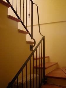 Ringhiere per interno e corrimano scala in ferro forgiato for Copri ringhiera