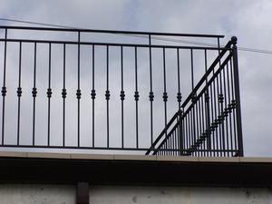 Ringhiere per esterno fonderia innocentifonderia innocenti - Ringhiere in ferro battuto per balconi esterni ...