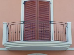 Ringhiere per esterno - Ringhiere in ferro battuto per balconi esterni ...