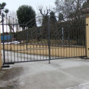 Cancello in ferro di ingresso due ante