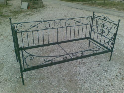 Lavori vari in ferro per interno fonderia innocentifonderia innocenti - Divano letto singolo in ferro battuto ...