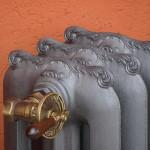 Termosifone, radiatore o calorifero in ghisa decorato modello Tiffany o liberti dettaglio