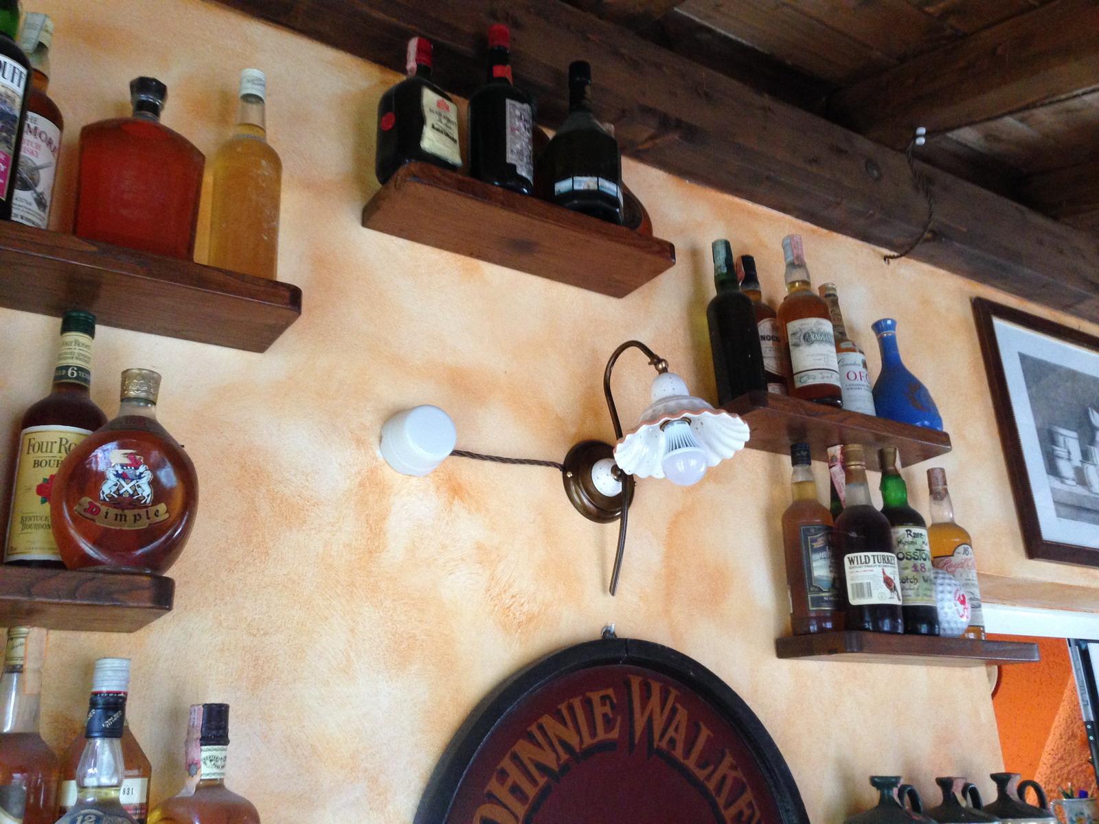 Taverna illuminazione lampadari e applique in ceramica.