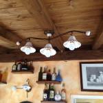 illuminazione ceramica taverna lampadario soffitto tralcio tre luci