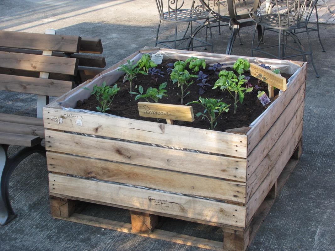 Orto in cassetta terrazzo e arredo urbano fonderia innocentifonderia innocenti - Cassette da giardino ...