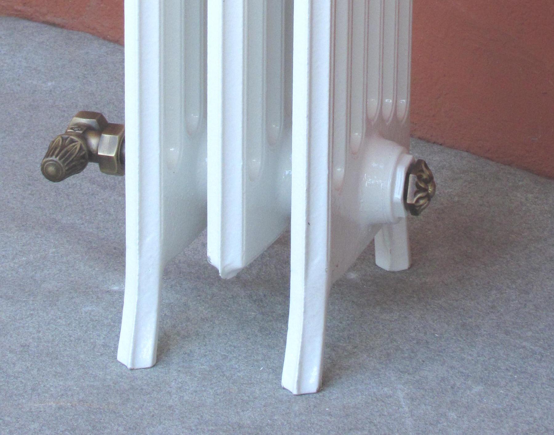Radiatori In Ghisa Colonnina I Particolari