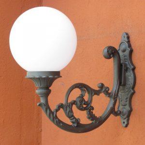 Applique italia illuminazione arredo urbano con sfera for Italia arredo