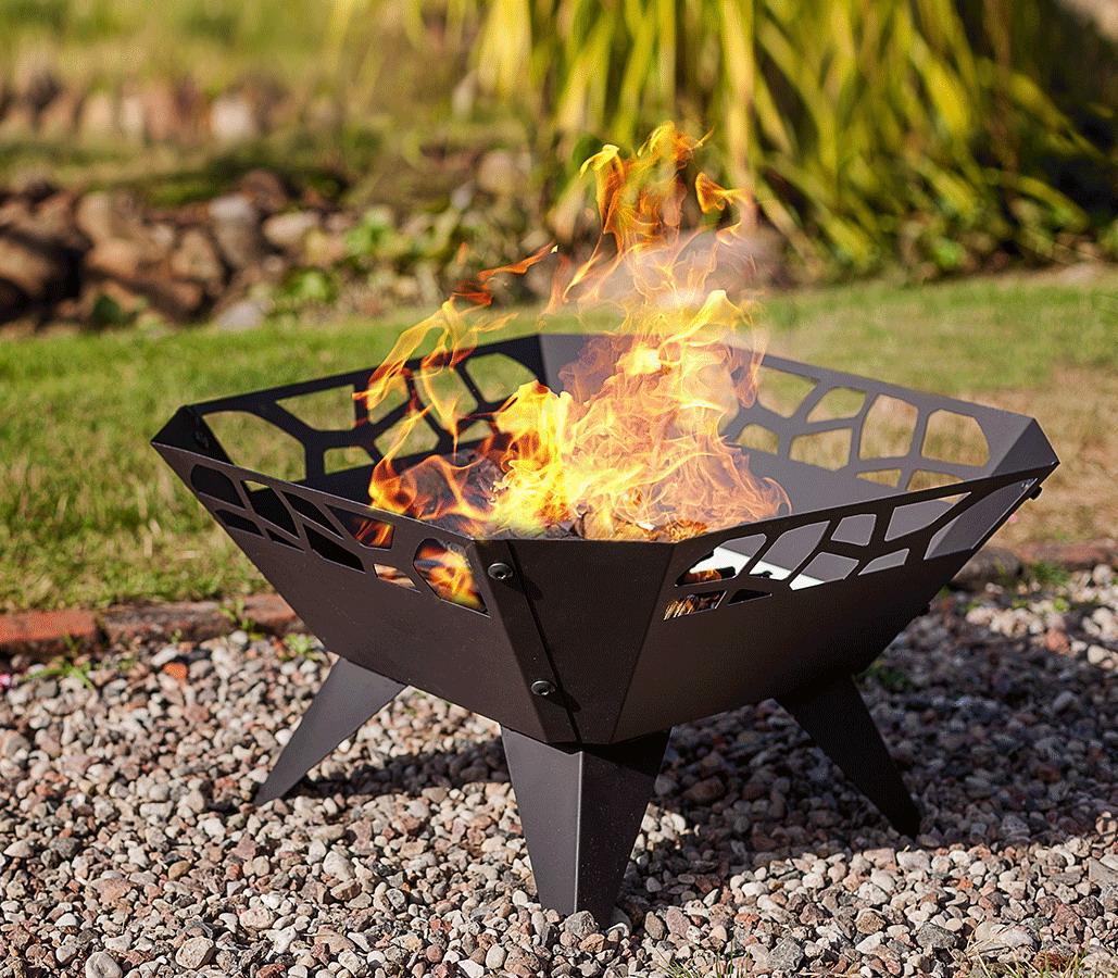 Braciere o barbecue in acciaio per giardino terrazzo - Barbecue in giardino ...