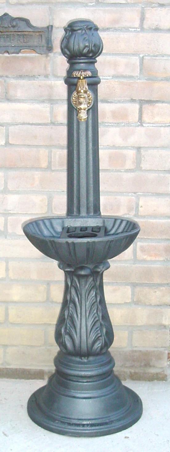 Fontana ghisa giardino elvio base circolare 1004 c - Rubinetti per fontane da giardino ...