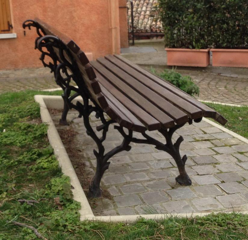 Panchina foresta ghisa legno esotico giardino arredo for Arredo urbano in legno